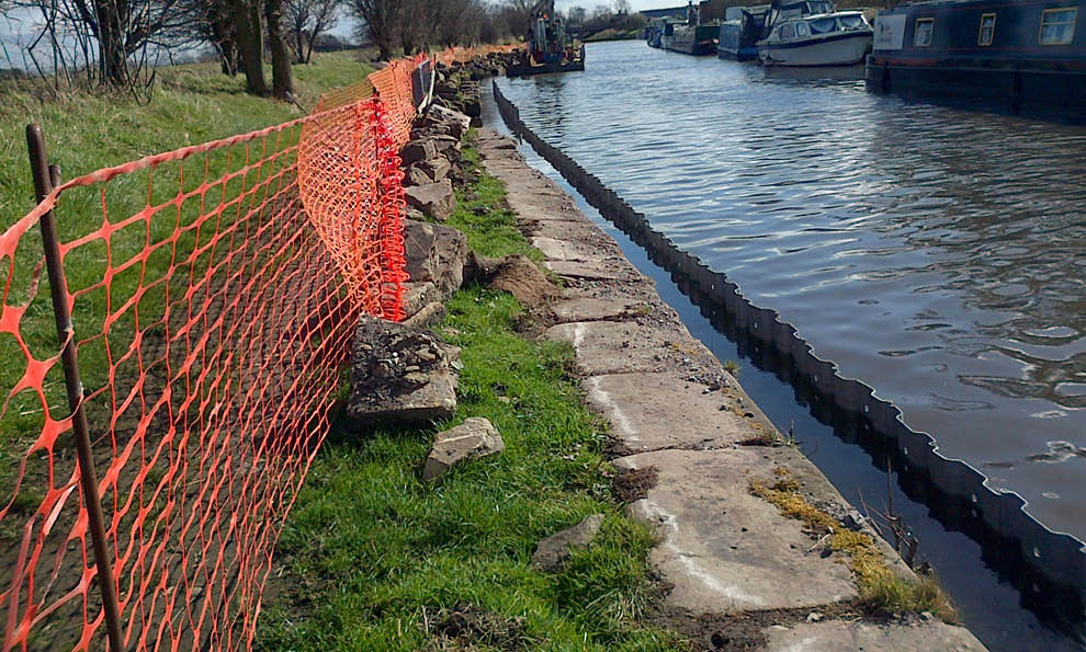 Trench sheets in Leeds to Liverpool canal